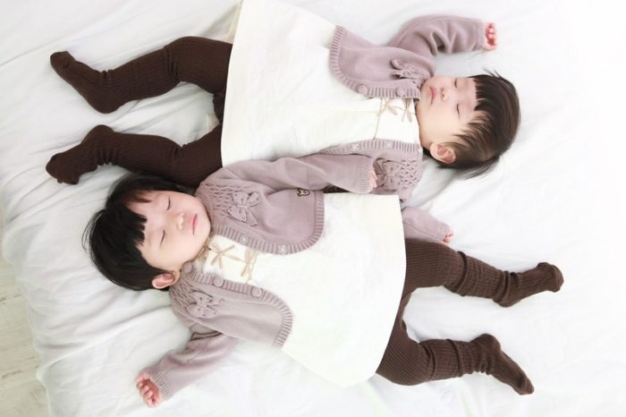 Tips for getting twin babies to sleep