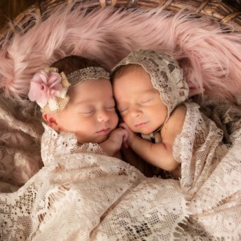 Tips for bathing twins with minimum stress